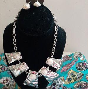 paparazzi Jewelry - Vintage Paparazzi Necklace